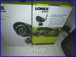 LOREX Wireless Security System with 4 Cameras & 7 LCD Monitor. LW1741 / LW2740